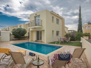 Nancy, 3 bed with pool, 300m from Kalamies Beach, Protaras