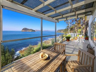 CLIFF COTTAGE - PEARL BEACH WATERFRONT