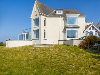 CARN EVE  spacious detached house, five bathrooms, open fire,games room, Sennen, Sennen Cove