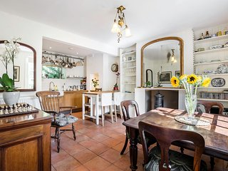 Beautiful 2 bed 2 bath Period Cottage in Hampstead, Londres