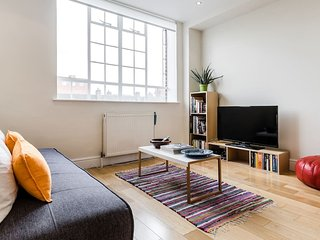 Modern 1 Bed in South Ken, Chelsea Sleeps 4, Londres