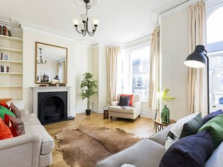 Lovely 3 Bed 2 Bath Home in Brixton