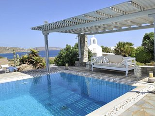 Sea and Sun Villa Open Sea View Luxury 200m walking to the beach up to 16 guests