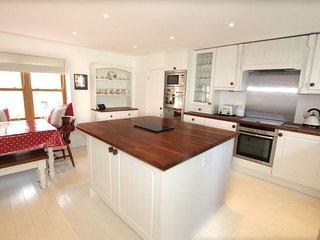 Croyde Holiday Cottages Montague Farmhouse Kitchen Area