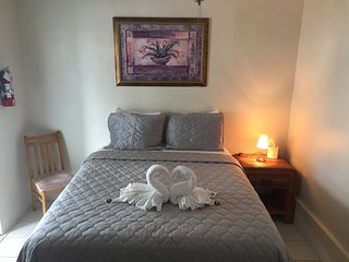 Private Room Common Bath $79, Key Largo