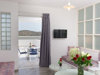 Luxurious Apartment with lovely Sea-View, Elounda