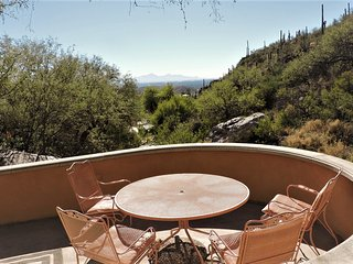 Best  Sonoran Desert Home- Cabin like setting, with unlimited Privacy and Views., Tucson