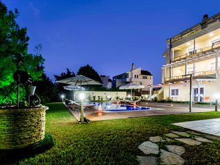 Luxury 3 bedroom semi detached villa with private pool set near Koskinou village
