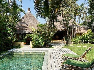 The Round House: 3 bedroom ensuite bathroom and private pool, Seminyak