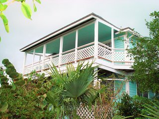 Exuma Hummingbird House ...paradise, great bonefishing and 5 star reviews !
