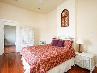 upstairs - queen bed