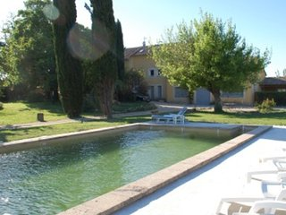 """Les Cyprès"", (10 pers: 6 ad + 4 kids), WIFI, Air-cond, BBQ, bikes, Pool, Caderousse"