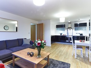 Three Bedroom Serviced Apartment in Vizion, Milton Keynes