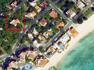 Casita CORAL NEGRO is one minute walk to the best beach in Playacar fase 1, Playa del Carmen