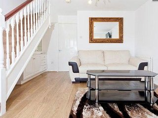 Lovely 2 bed house in North London