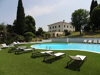 Villa San Pellegrino Luxury private villa.With private pool, tennis court