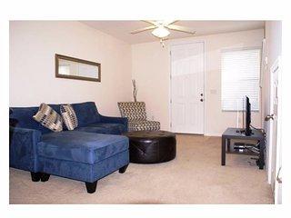 Orlando - Premium Vacation Rental - 6 Guests - 2BR, Davenport