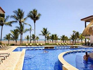 Tropical 3 bedroom condominium at Bahia Encantada
