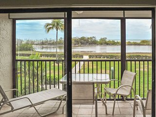 2BR Fort Myers Beach Condo - Waterfront!!