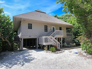 Low Off Season Rates! boat slip included if you need one!, Captiva Island