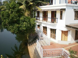 Fully Furnished A/C Water Front Villa In Kottayam Town