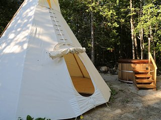 4 Season Tipi5 -Bed & Breakfast