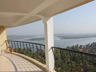 3 Bedroom Penthouse Apartment with a Panoramic View