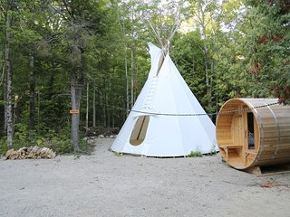 4 Season Tipi6 -Bed & Breakfast