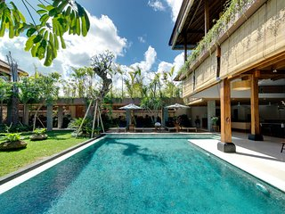 9 Bedrooms Villa Exclusive Offer Seminyak ❤ 9bed/18sleeps