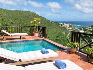 MOONDANCE...IRMA SURVIVOR.. affordable hillside villa with expansive views