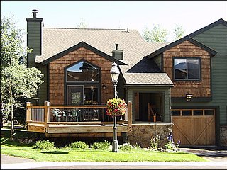 Only steps away from Four O'Clock trail - Easy two block walk to Main Street (12615), Breckenridge