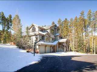 Can Arrange up to 20 Beds, Slopeside Luxury Home (212273)