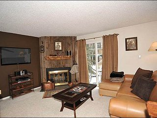 Close to Shops, Ski Area, Dining  - Affordable Condo Featuring Nice Views (13549), Breckenridge
