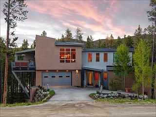 Elegant Contemporary Design, Lovely Wooded Views (212538), Breckenridge