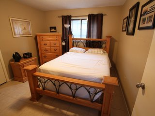 Queen Bed/Shared Bathroom