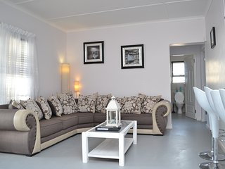 Gorgeous 3 Bedroom, self-catering home available, 5minutes from the beach, Paternoster
