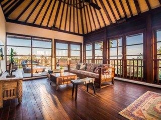 Villa Ayode Three Bedroom Villa - Standard