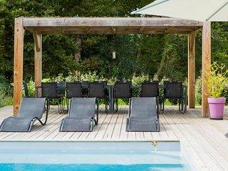 Contemporary villa with heated pool near Hossegor