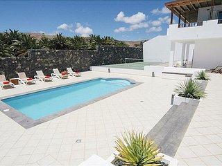 Casa Puerto Calero Grande