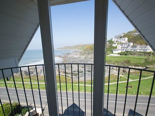 Pointview-Woolacombe seafront with seaview balcony