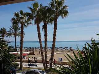 New & Sunny 3 Bed-2 bath Sea Views Malaga Centre, Málaga