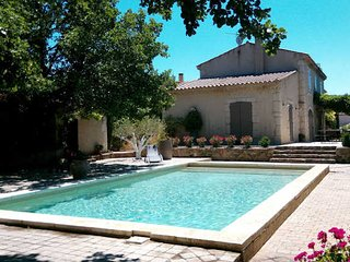Magalas luxury villas France with pool and garden sleeps 10 (Ref: 940)