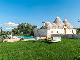 Trulli Francisto: Authentic Historic Trullo with Pool, Capitolo