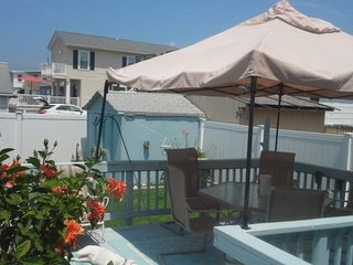 Very Nice Family and Pet Friendly Rental, 3 Bedrooms, 1 Bathroom, Sleeps 7