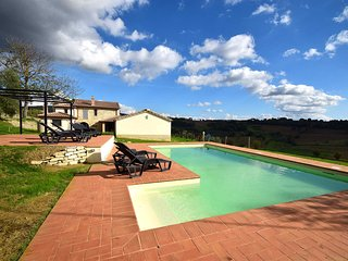 Detached villa with private pool. 5+1 bedrooms. 12 sleeps. Panoramic views, Amelia