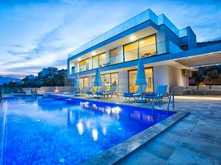Villa Tigra - 5 bedroom contemporary villa in central Kalkan with private pool