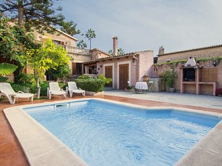 Large Mallorcan house with pool and private garden, Palma de Majorque