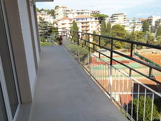 Amazing Sea View, Great Apartment Private Parking