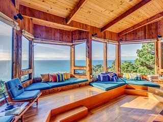 Hillside home w/ 180 degree ocean views, private hot tub, & shared pools/saunas, Sea Ranch