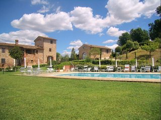 3 bedroom Apartment in Gambassi Terme, Tuscany, Italy : ref 5489148